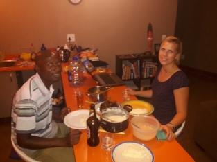 Abendbrot in unserer Küche mit Sabrina und Bheki