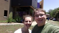 Mirjam und Ich vor unserem Scout Center